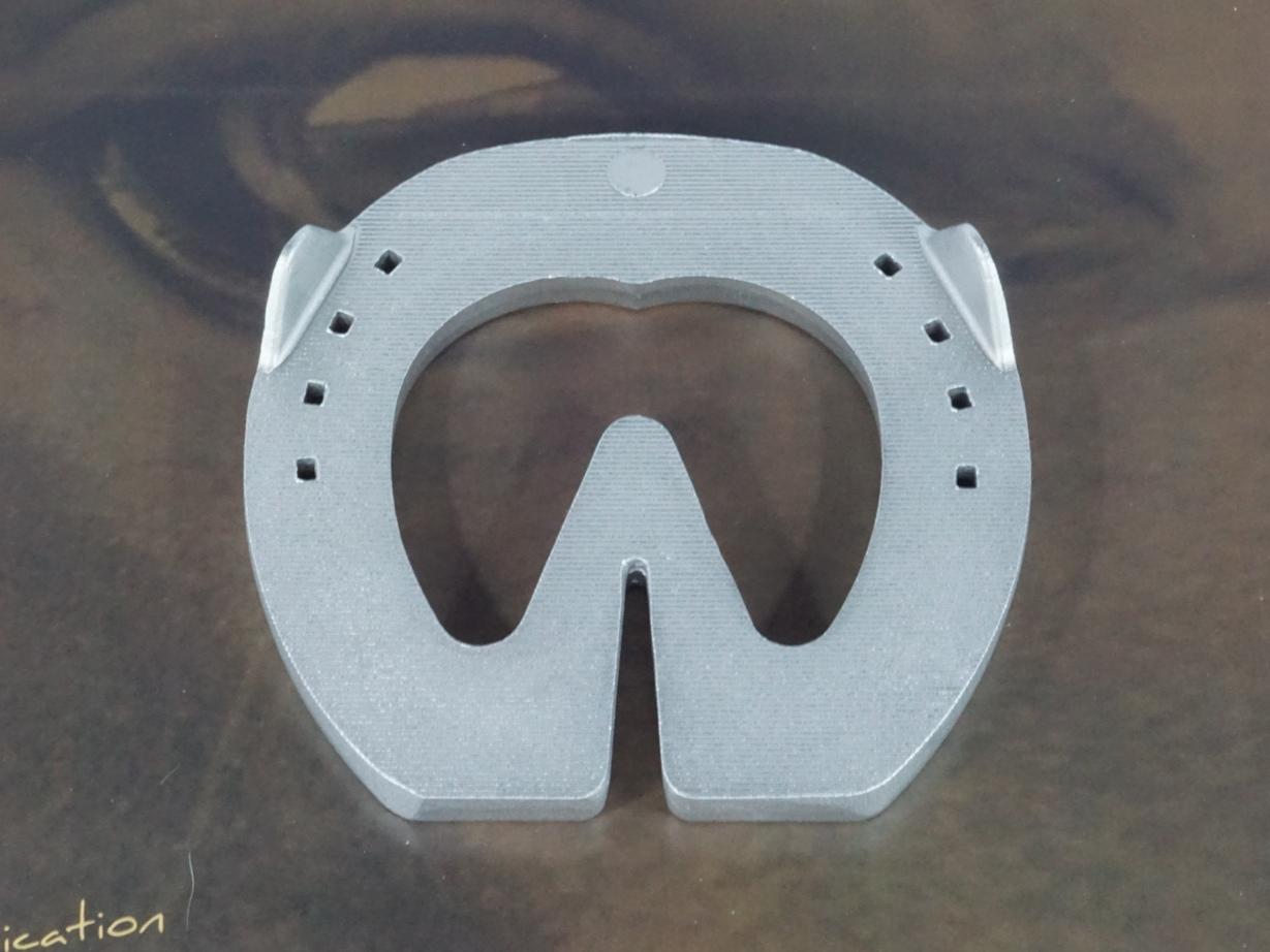 fer a cheval aluminium orthopedique coeur Comete CCb